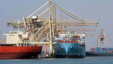 "Photo of Jeddah port criticised for ""careless"" unloading"