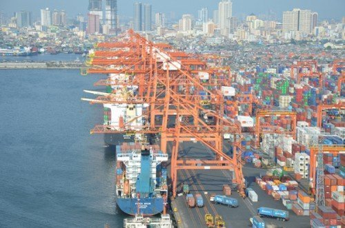 Port congestion crisis grows at Manila
