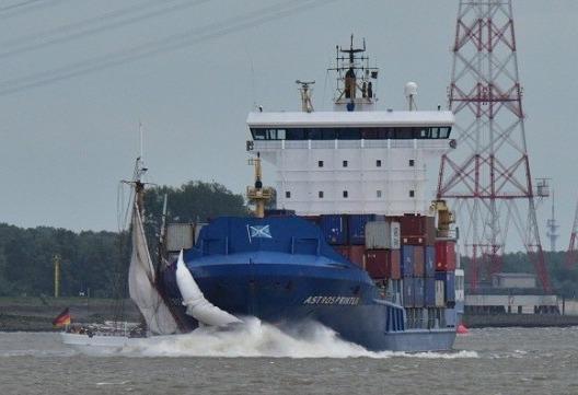 Hamburg mourns loss of last schooner