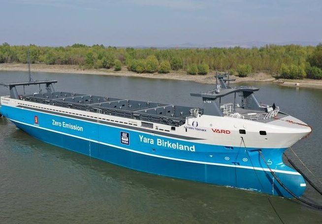 Deadly pandemic forces autonomous ship into lockdown