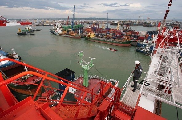Indonesian port operator seeks to raise $3bn