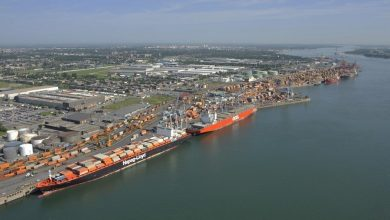 Photo of Montreal port strike enters its third week
