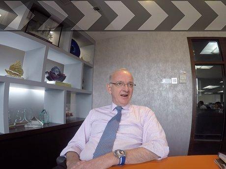 Tim Huxley stars on Splash TV: 'Contrarian' views on bulker buys