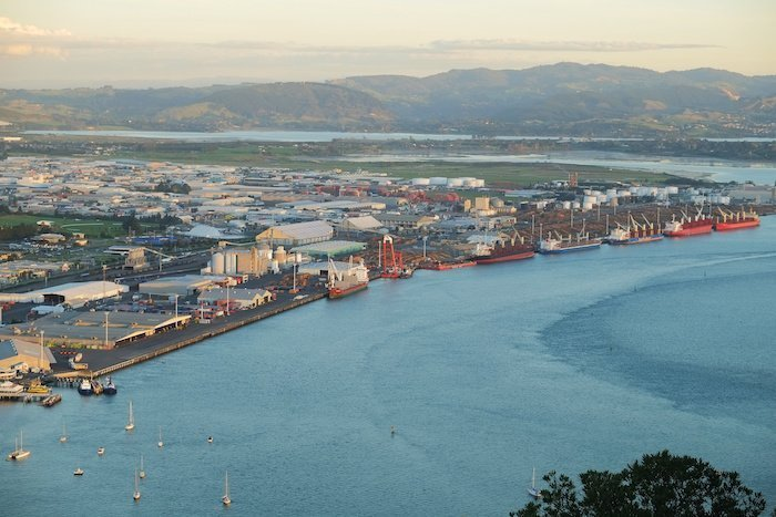 New Zealand set for record breaking boxship call