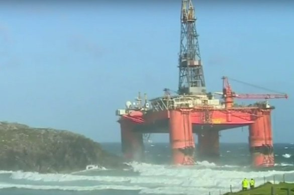 Up to 52 tonnes of diesel spilled from grounded Transocean rig