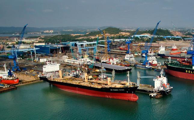 Fire on tanker kills five workers at ASL Marine yard in Batam