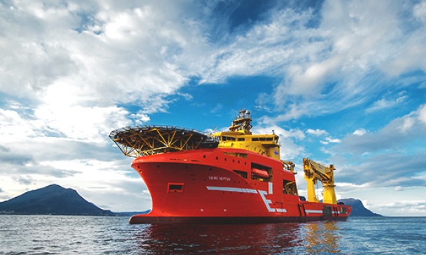 Eidesvik offloads offshore construction vessel