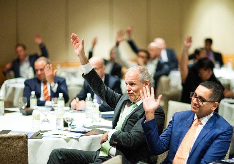 CEO Forum hands up
