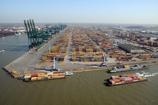 Antwerp port developing ambitious shipping carbon capture project