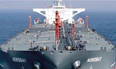 Aframax tanker strikes wharf near New Orleans
