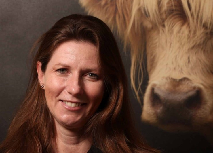 Dr Lynn Simpson