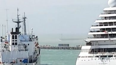 Photo of Cruiseship breaks from its moorings and hits cement carrier in NZ