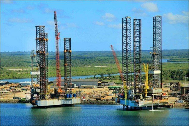 Petrobras hawks controversial rig pair for as little as $20m