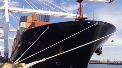 Photo of Iranian boxship runs aground on Hong Kong island