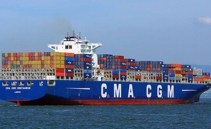 Ship involved in dramatic Dubai crane collision now en route to Asia