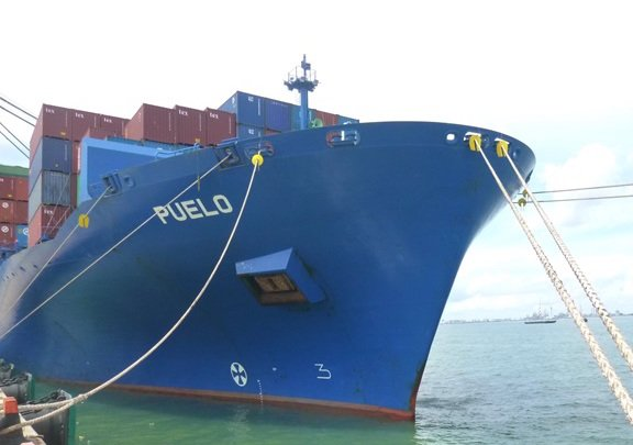 Diana Containerships offloads another post-panamax boxship