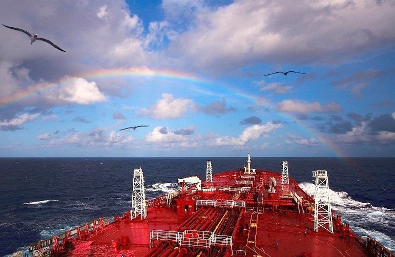 Nordic American Tankers to sell three more suezmaxes