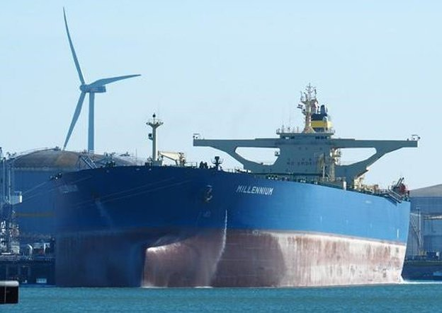 Tsakos Energy Navigation moves to offload its oldest VLCC