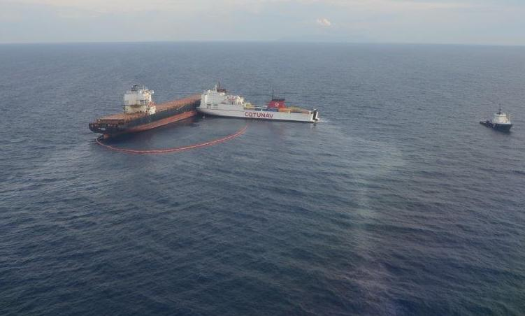 Ropax finally separated from boxship off Corsica