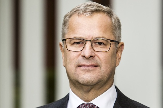Maersk's Skou bows out of box shipping's arms race