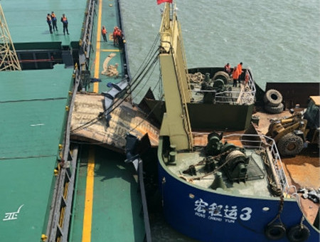 Ningbo Marine coal carrier hit by gravel barge near Wenzhou