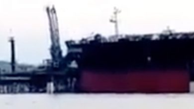 Photo of VLCC takes out pier in Panama