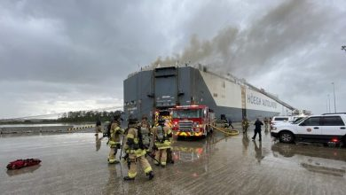 Photo of Explosion onboard Hoegh car carrier injures local firefighters at Jacksonville