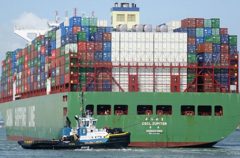 14,000 teu Cosco containership runs aground off Antwerp