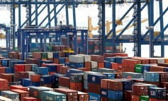 Bangladeshi survives 12 days trapped in a container