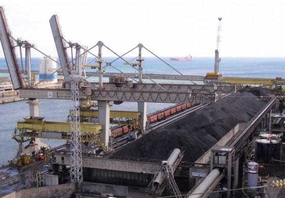 Australia's top rail freight operator in for Queensland coal terminal