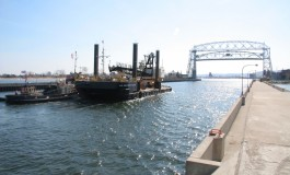 Bill introduced to ban shipping of crude oil on the Great Lakes