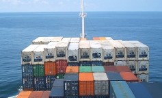 Songa Container snaps up Hapag-Lloyd boxship
