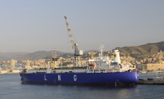 Eni to quit shipowning with LNG carriers sale