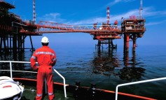 ENI hits oil in shallow waters of Mexico's Campeche Bay