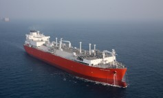 Excelerate Energy seals 10-year sale and leaseback for FSRU