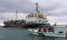 State of emergency declared as ship runs aground off Galápagos islands