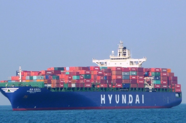 HMM says it is in discussions with Walmart as Hanjin replacement