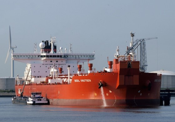 KNOT ties down another shuttle tanker