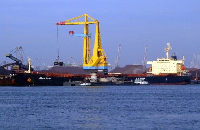 Kuok taps own salvage firm to refloat one of his bulkers