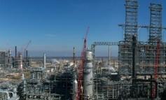 Largest US refinery restarts production after Harvey shutdown