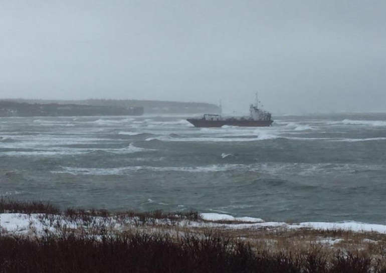 First attempt to budge grounded bunkering tanker off Canada fails