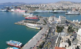 Greece tries to lure UK-based owners and insurance firms to Piraeus post-Brexit