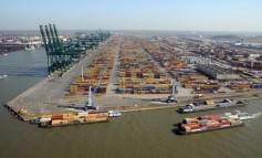 Car carrier fire in Antwerp