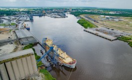 Port of Beaumont closed after oil spill
