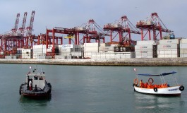Workers strike at Peru's Callao port