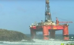 Weather stalls efforts to load Transocean Winner on to heavy-lift ship