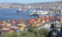 Chile dockworkers start strike action at national ports