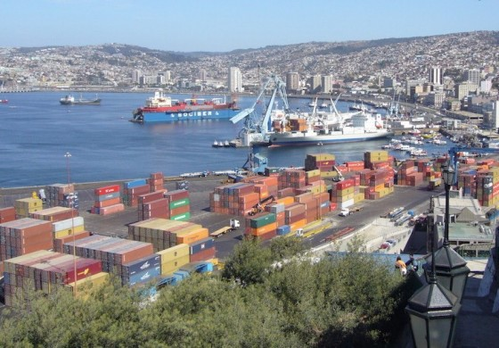 Bad weather forces closure of ports in Chile