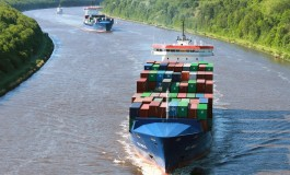 Wessels Reederei hails landmark boxship conversion