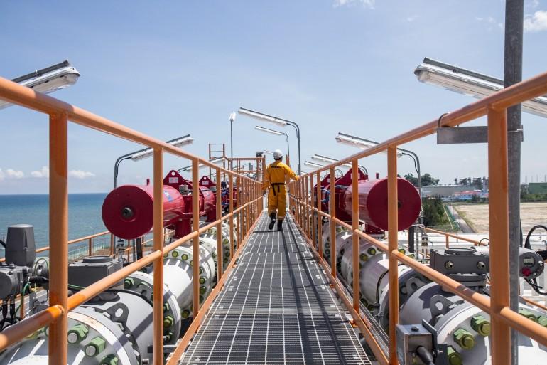 Petronas cancels huge British Columbia liquefaction project